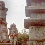 【国指定史跡】 石製の五重塔3基を四天王像が取り囲む全国的にも珍しい仏教遺跡。熊襲、隼人の霊の供養塔との伝承が残っています。